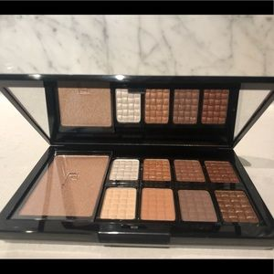 Doucce neutral eyeshadow palette